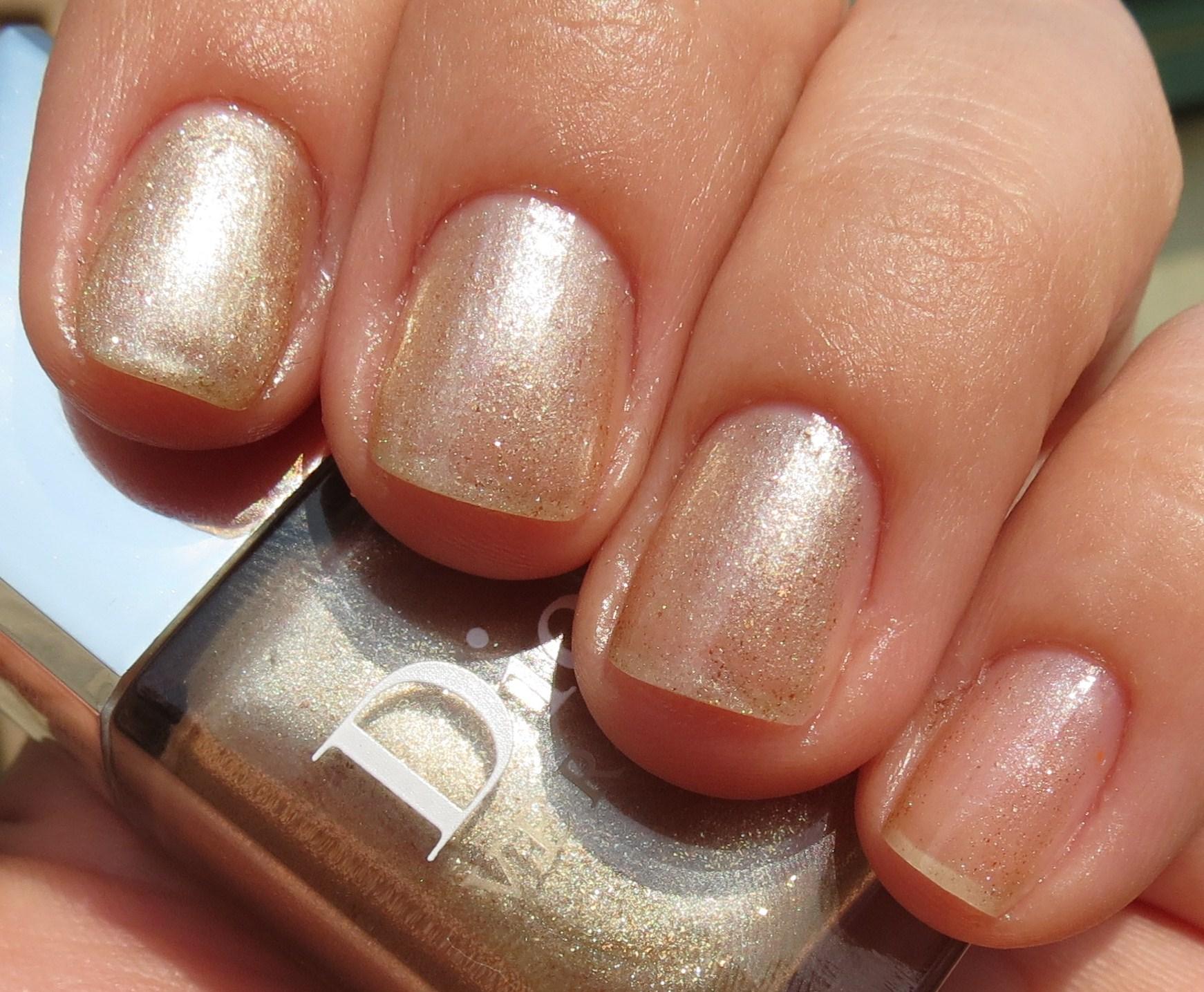 Milani nail lacquer - golden romance
