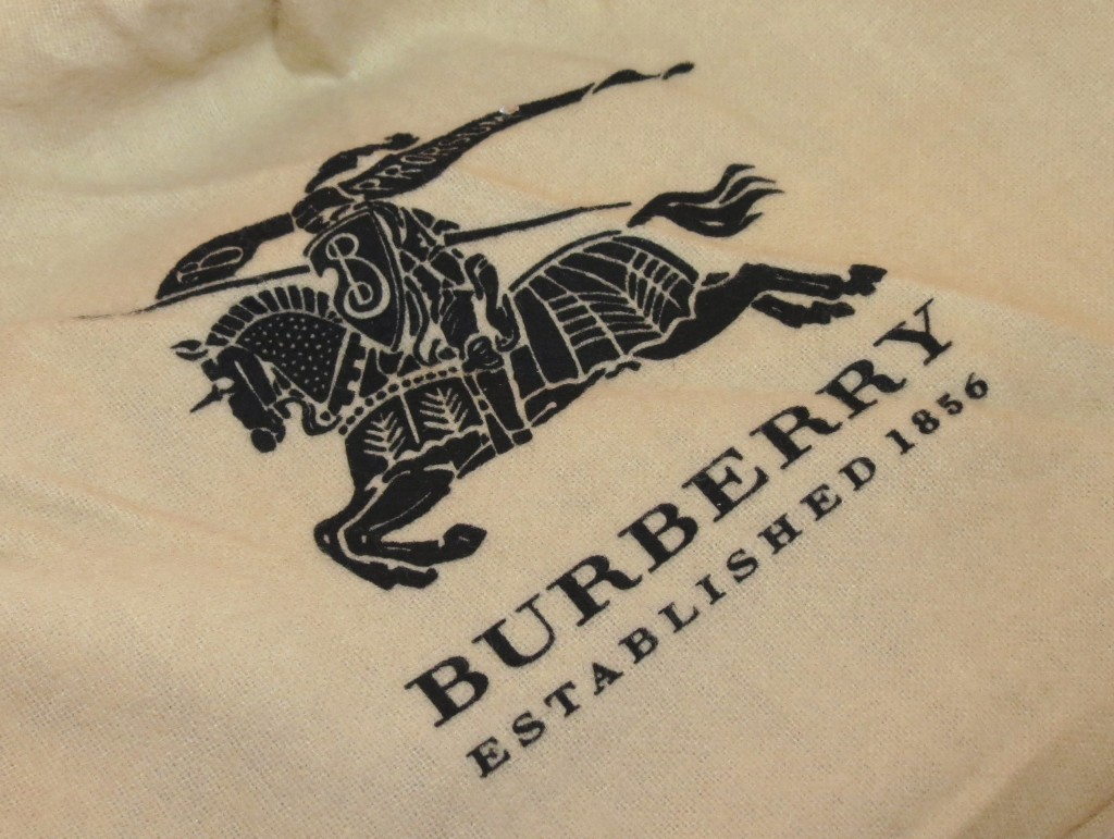 Burberry Haymarket Check Folding Wristlet Photos & Review