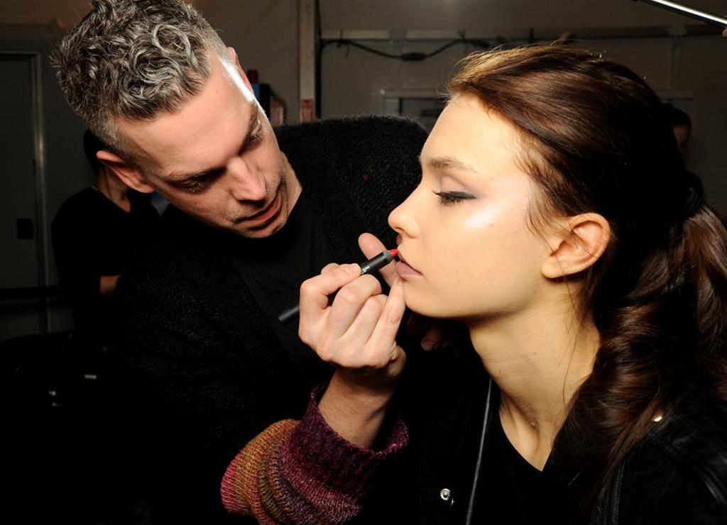 NARS AW13 Carmen Marc Volvo artist in action 3 - lo res