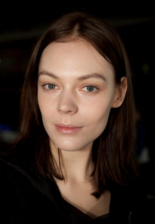 NARS AW13 Christopher Kane beauty look 4 - lo res