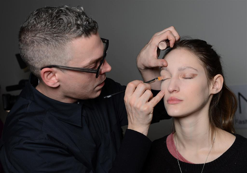 NARS AW13 Creatures of the Wind artist in action 1 - lo res