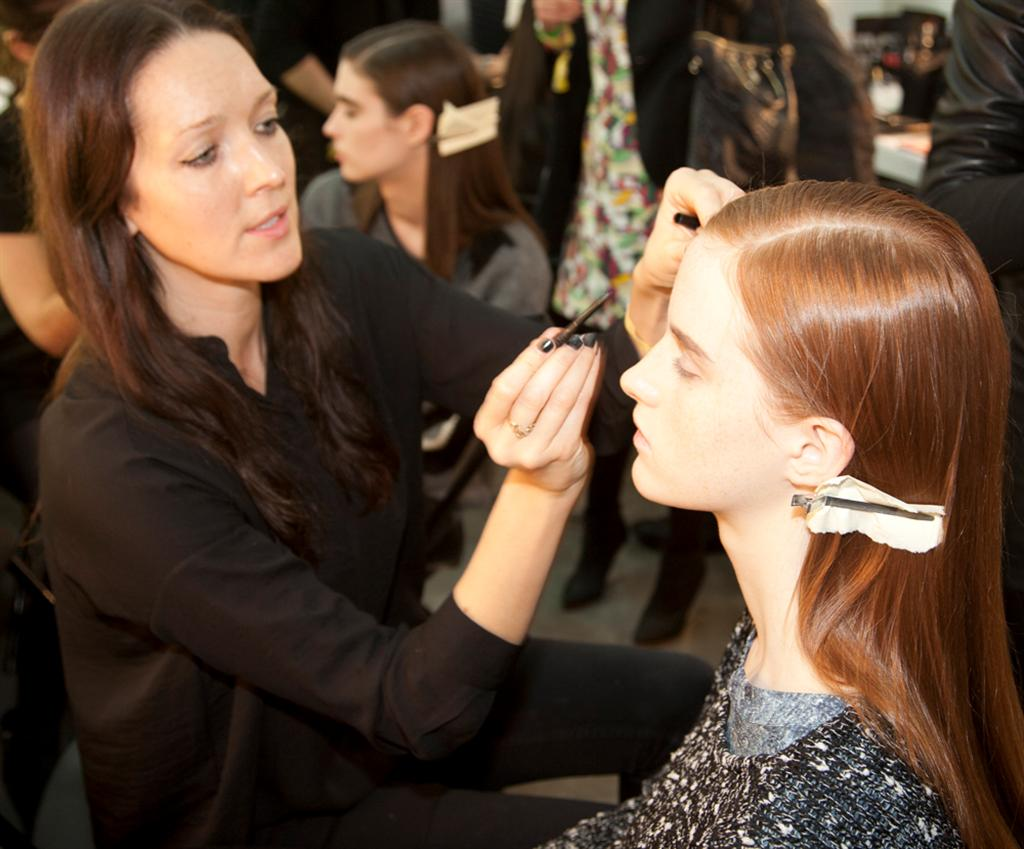 NARS AW13 Erdem artist in action 1 - lo res