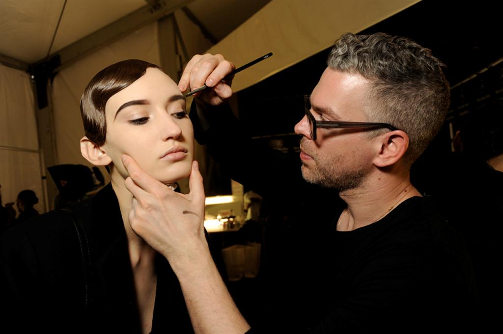 NARS AW13 Naeem Khan artist in action 1 - lo res