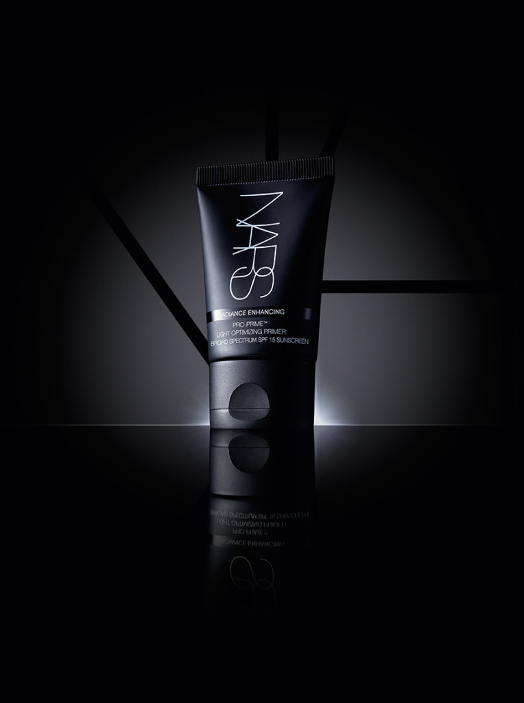 NARS Light Optimizing Primer black background - lo res (US)
