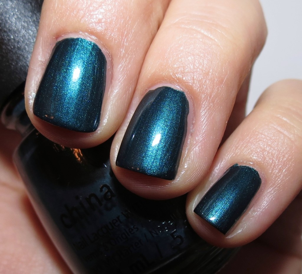 China Glaze Tongue & Chic Nail Polish
