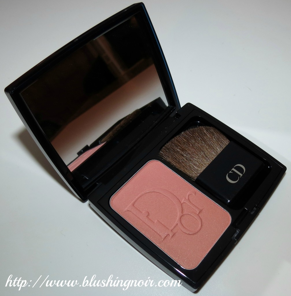 Dior Cocktail Peach Vibrant Colour Powder Blush 2