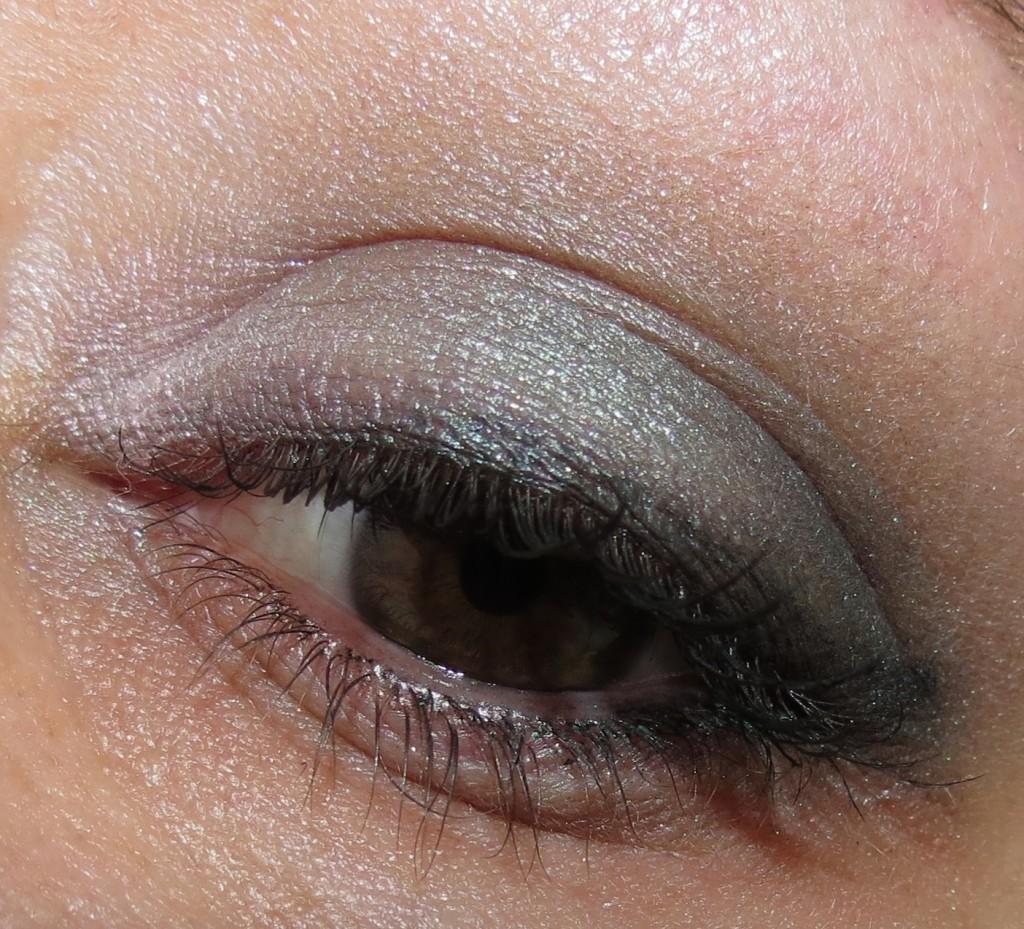 Nuance Salma Hayek Smokey 0075 Beautiful Blends Eye Quad look