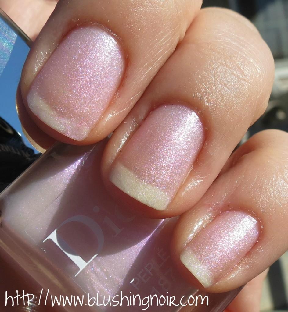 Dior Vernis 187 Perle Nail Polish matte swatches