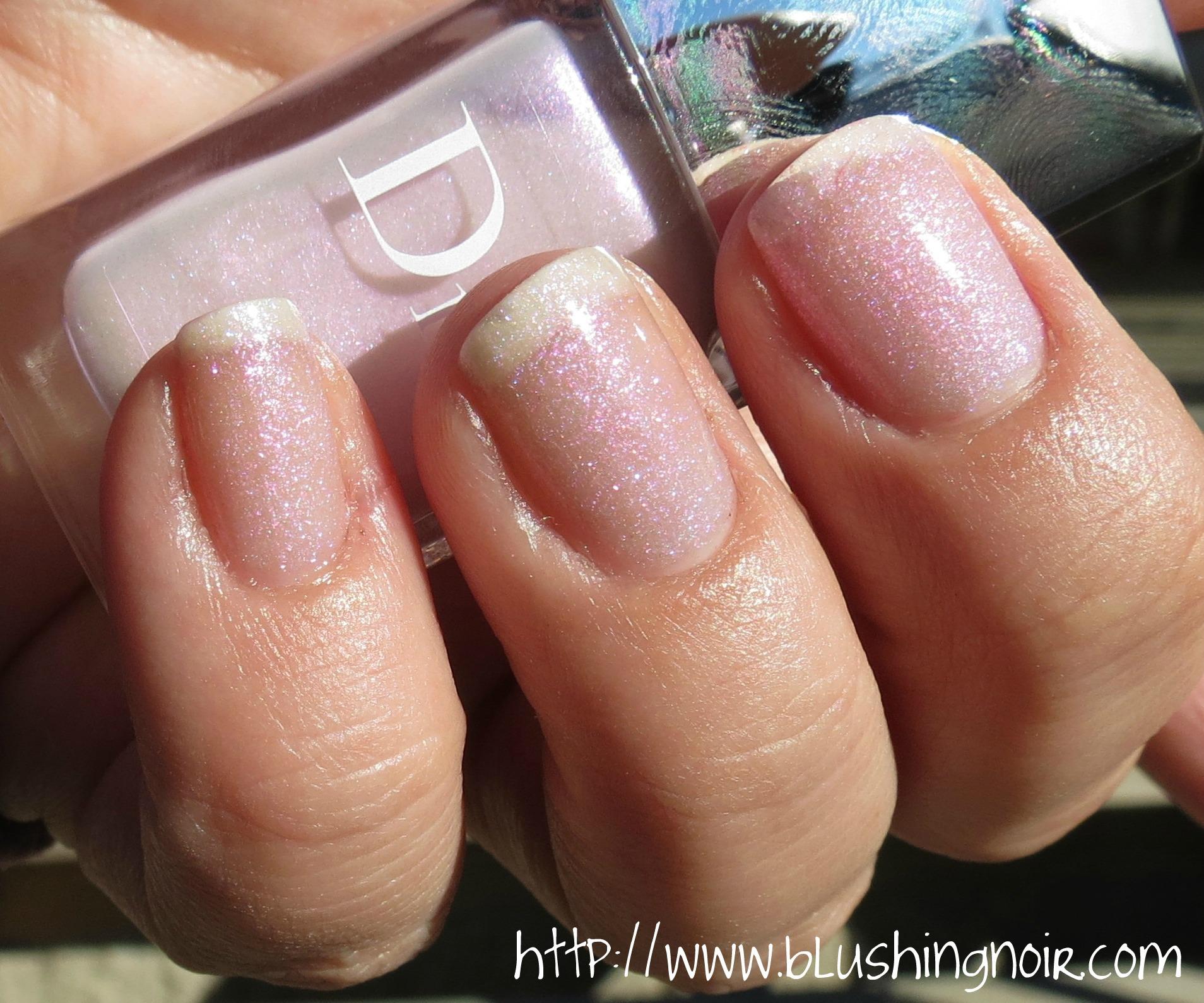 Vernis Nail: Dior 187 PERLE Le Vernis Nail Polish Swatches & Review