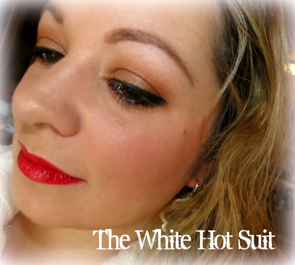 Mary Kay The White-Hot Suit eye look #MKHolidayLook #MKTrend
