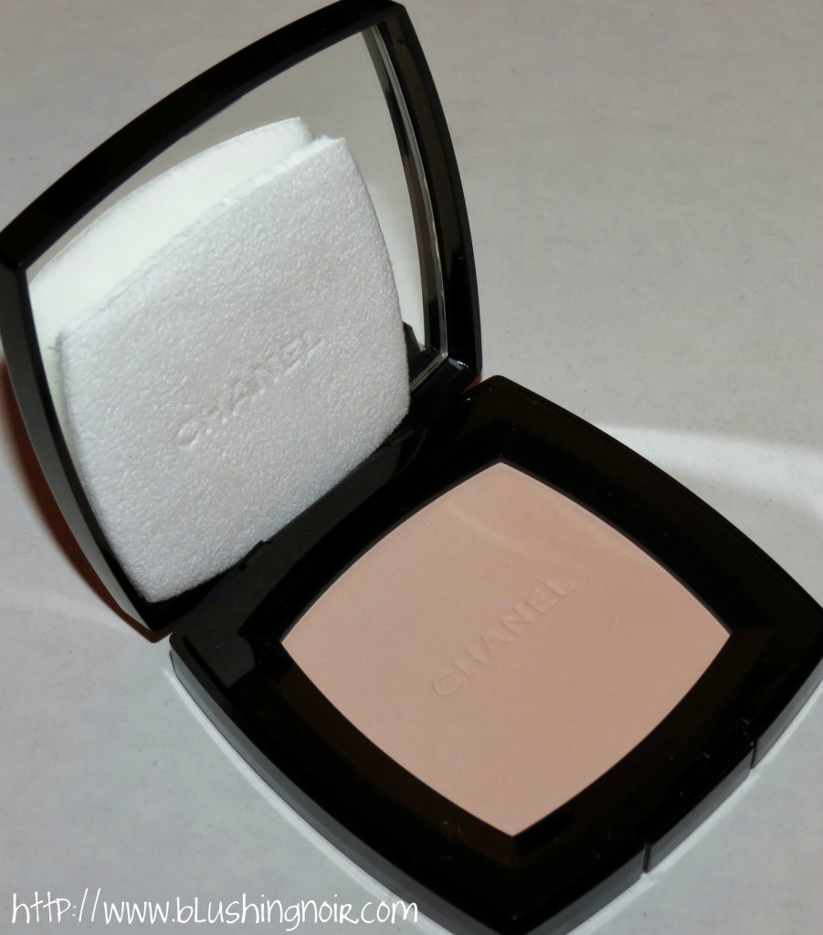 Chanel 160 PREFACE Poudre Universelle Compacte Natural Finish Pressed Powder review