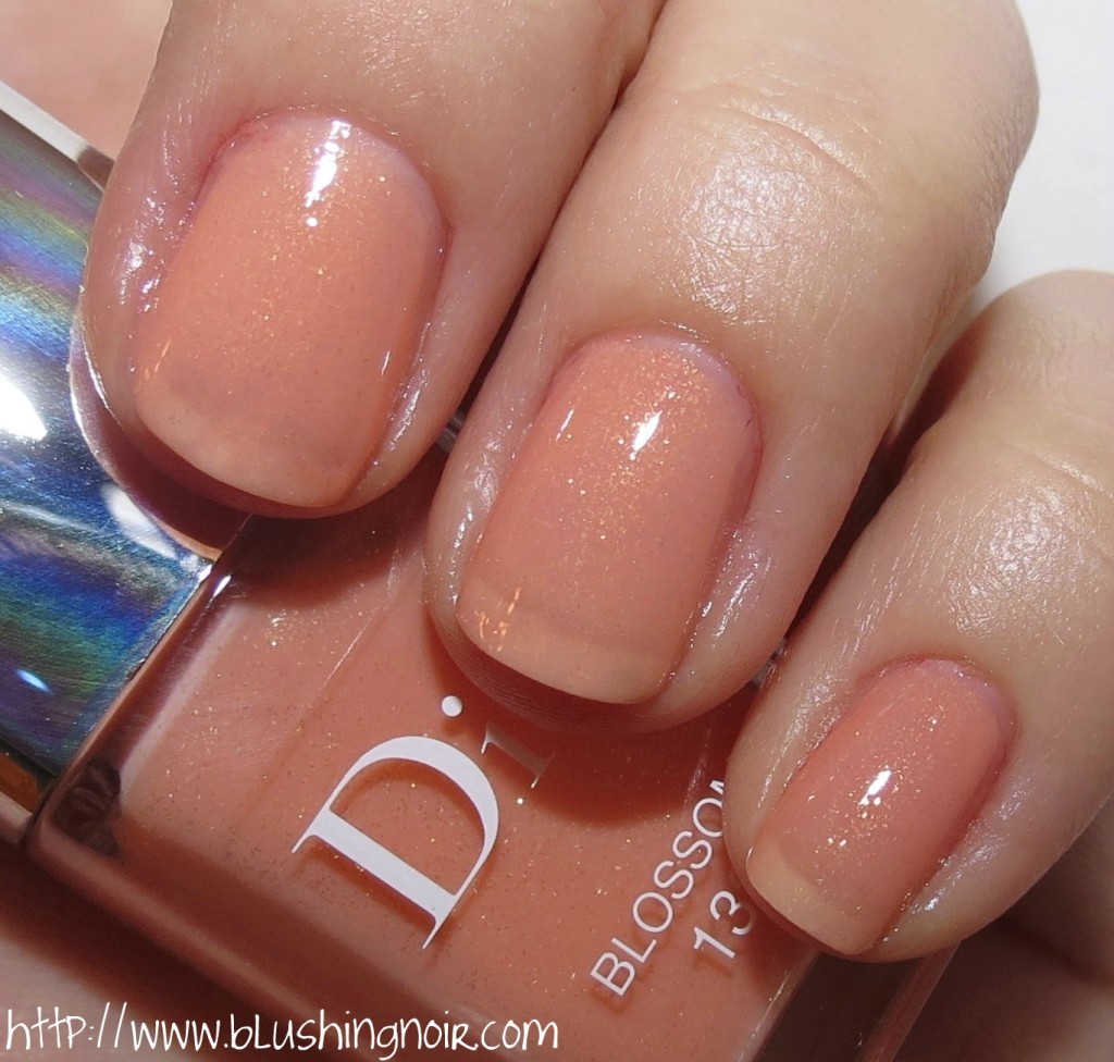 Dior 132 BLOSSOM Le Vernis Nail Polish Swatches flash
