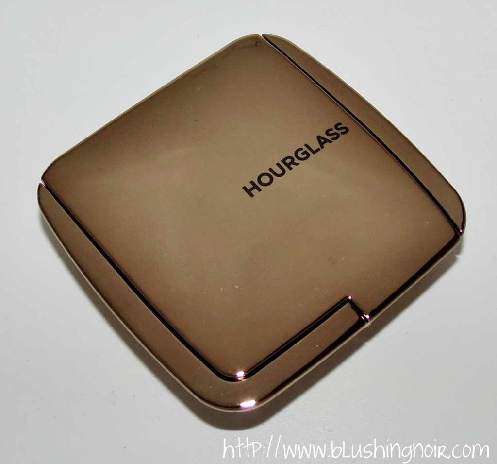 Hourglass LUMINOUS FLUSH Ambient Lighting Blush case