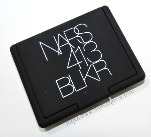 NARS 413 BLKR Powder Blush case