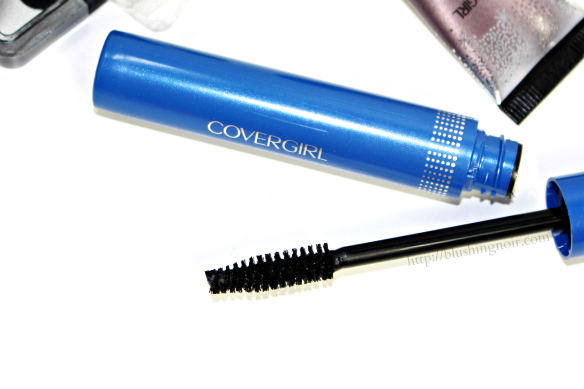 COVERGIRL Professional 3-in-1 Mascara Swatches #GirlsCan
