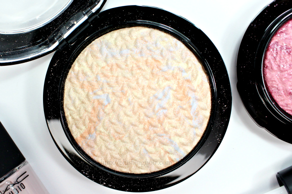 MAC Lightscapade Mineralize Skinfinish Swatches