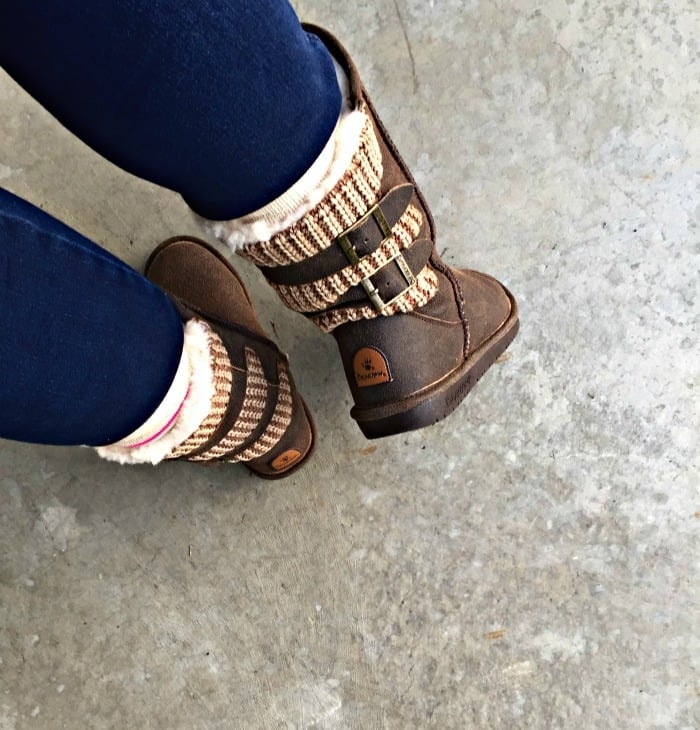 bearpaw boots back