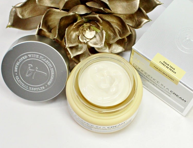 IT Cosmetics Confidence in a cream review photos best moisturizer