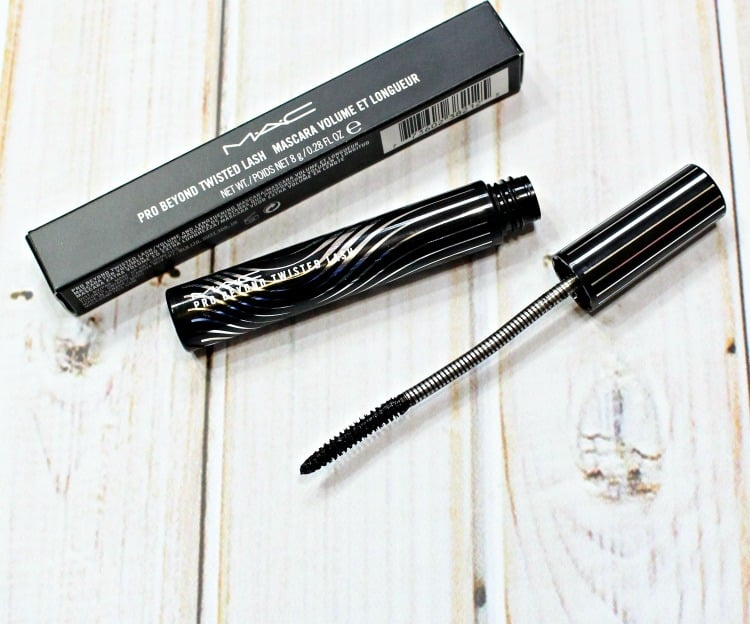 MAC Pro Beyond Twisted Lash Mascara photos pics