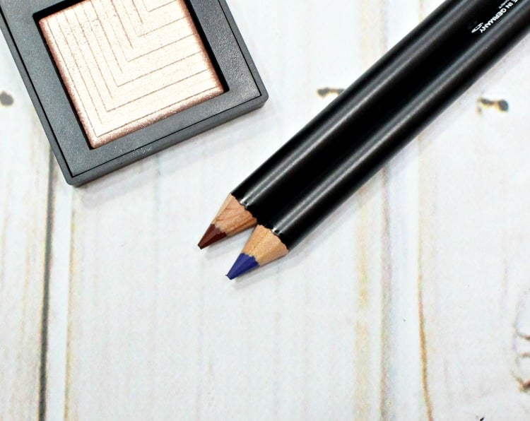 NARS Velvet Eyeliner swatches review blue lotus Mambo swatch pics