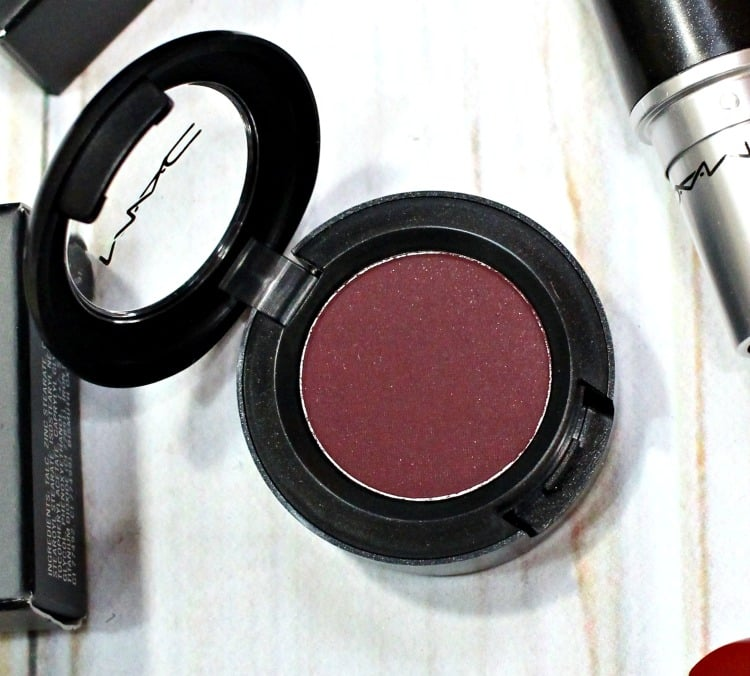 MAC 300 Game Eye Shadow swatches review swatch pics