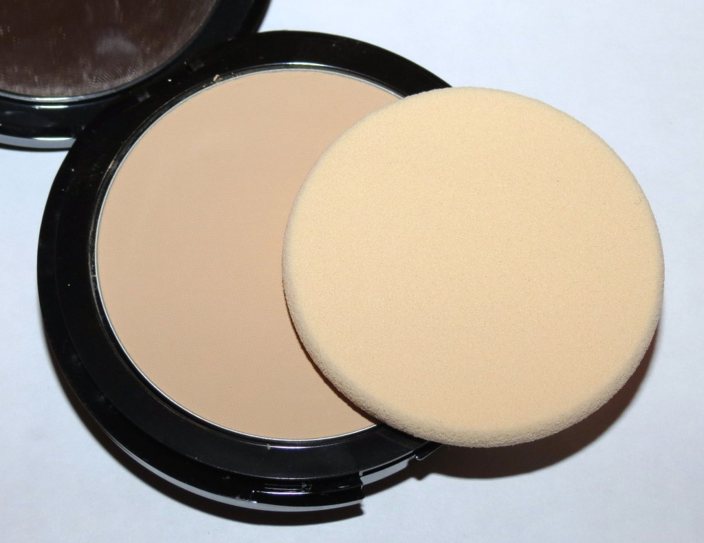 Make Up For Ever 120 Natural Ivory Pro