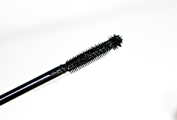 IT Cosmetics Hello Lashes Extensions 24hr Mascara swatches