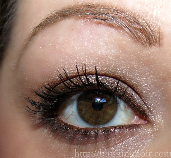 Benefit Rollergirl Mascara swatches