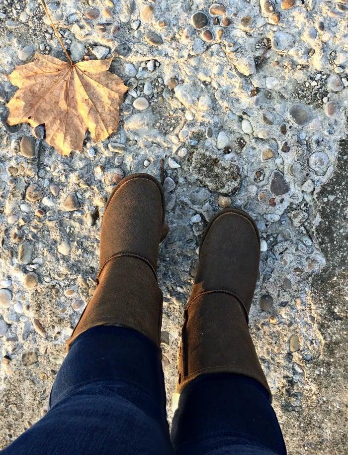 Famous Footwear Bearpaw boots