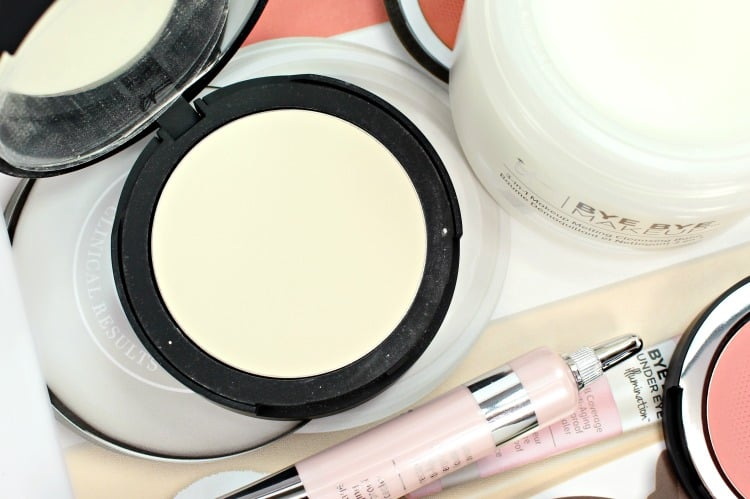 IT Cosmetics Bye Bye Pores Pressed Powder swatches review