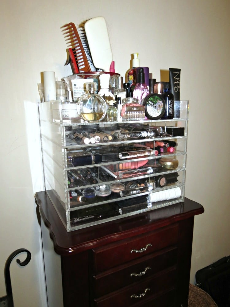 Sherrieblossom ICEbOX Makeup storage beauty organization