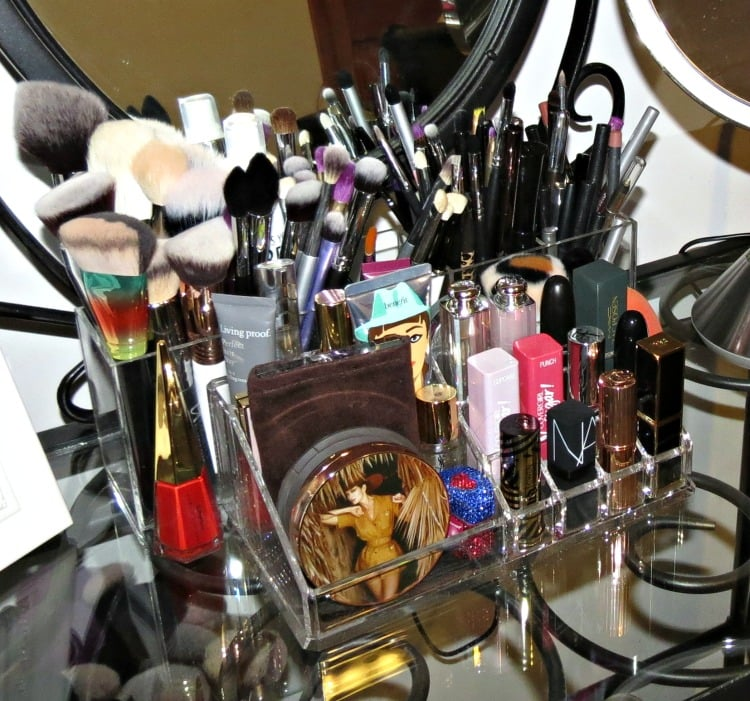 beauty storage makeup organization zahra beauty isaac jacobs coffeebreakwithdani makeup brushes tools