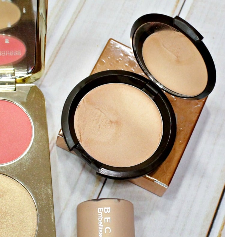 BECCA x Jaclyn Hill Champagne Pop Poured Creme highlighter swatches