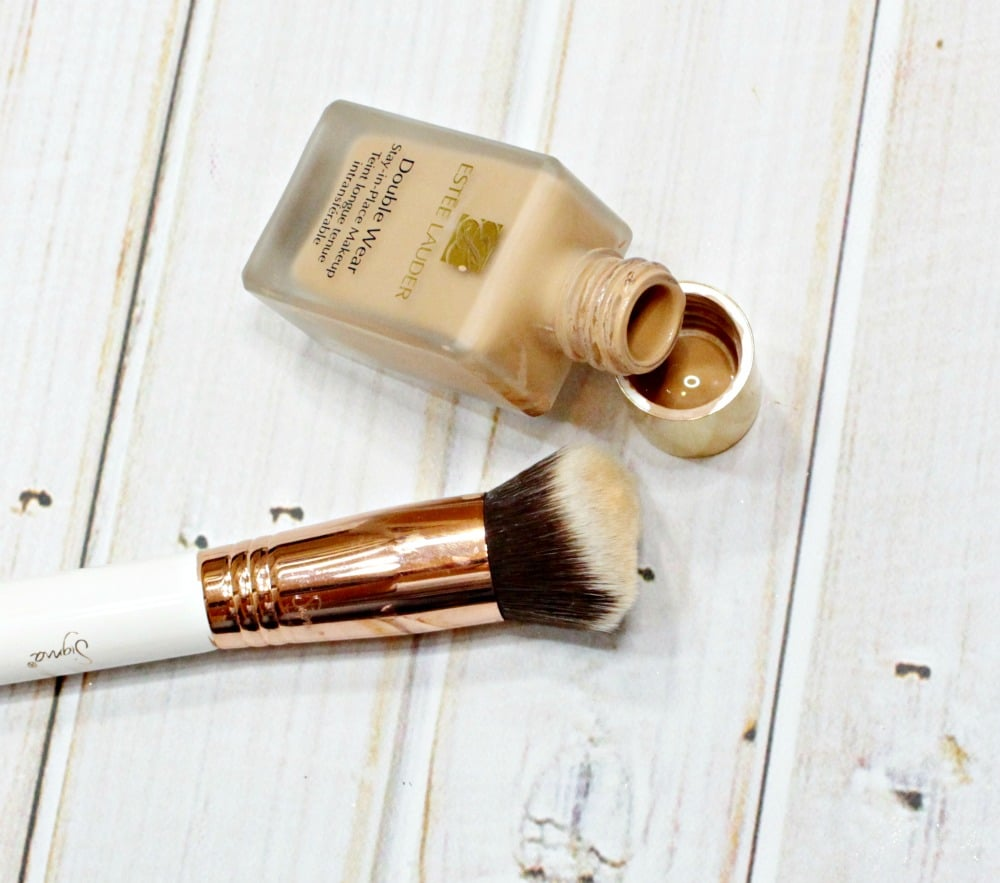 Estee Lauder Double Wear Swatches review sigma 3dhd Kabuki brush review