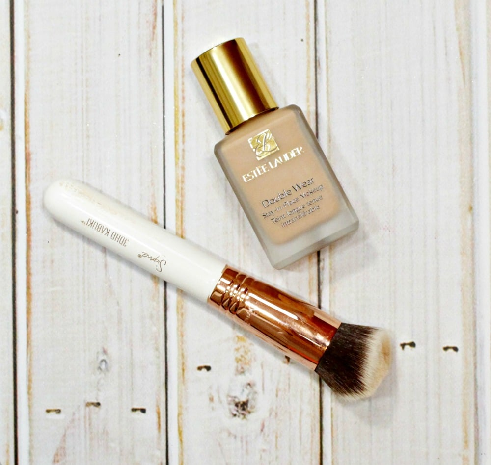 How to apply  Estée Lauder Double Wear Stay-in-Place Makeup