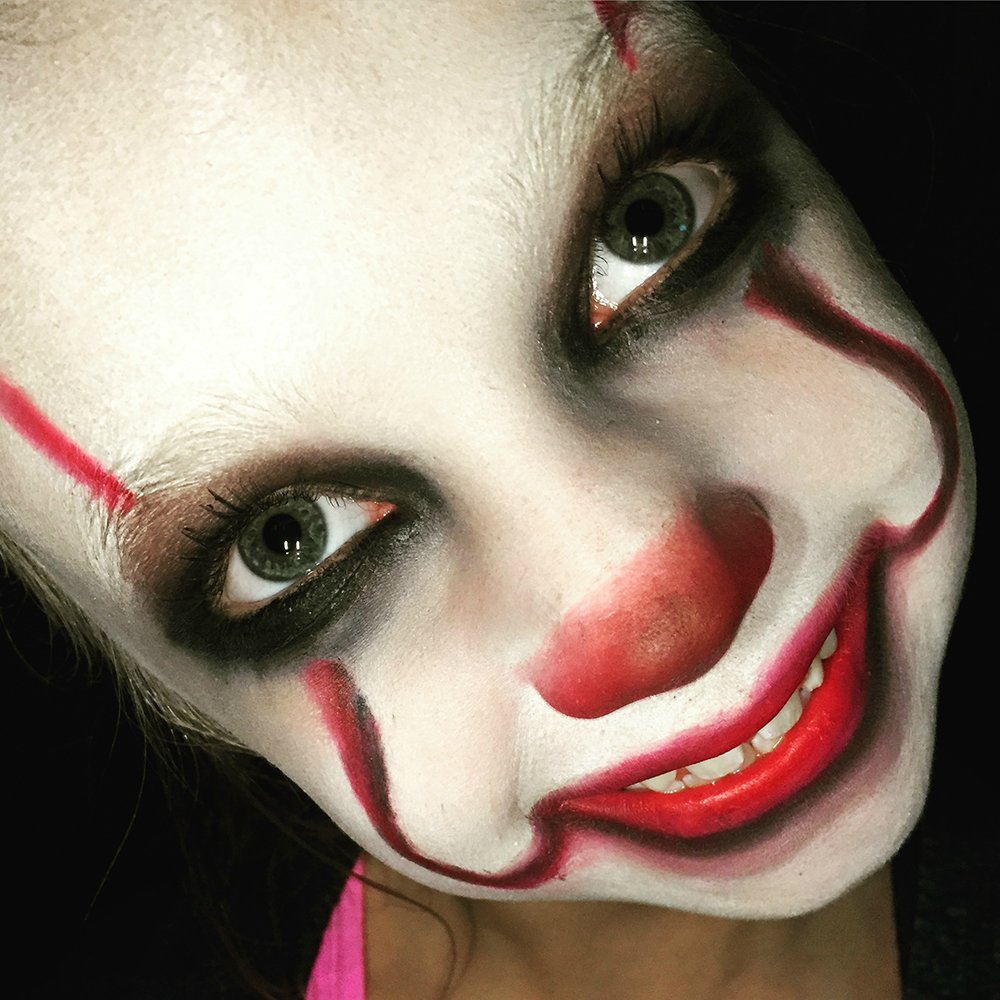 It movie pennywise makeup tutorial for kids pennywise the clown halloween makeup tutorial for kids quick easy halloween itmovie clown baditri Gallery